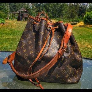 SOLD!! Louis Vuitton Petit Noe monogram bag purse